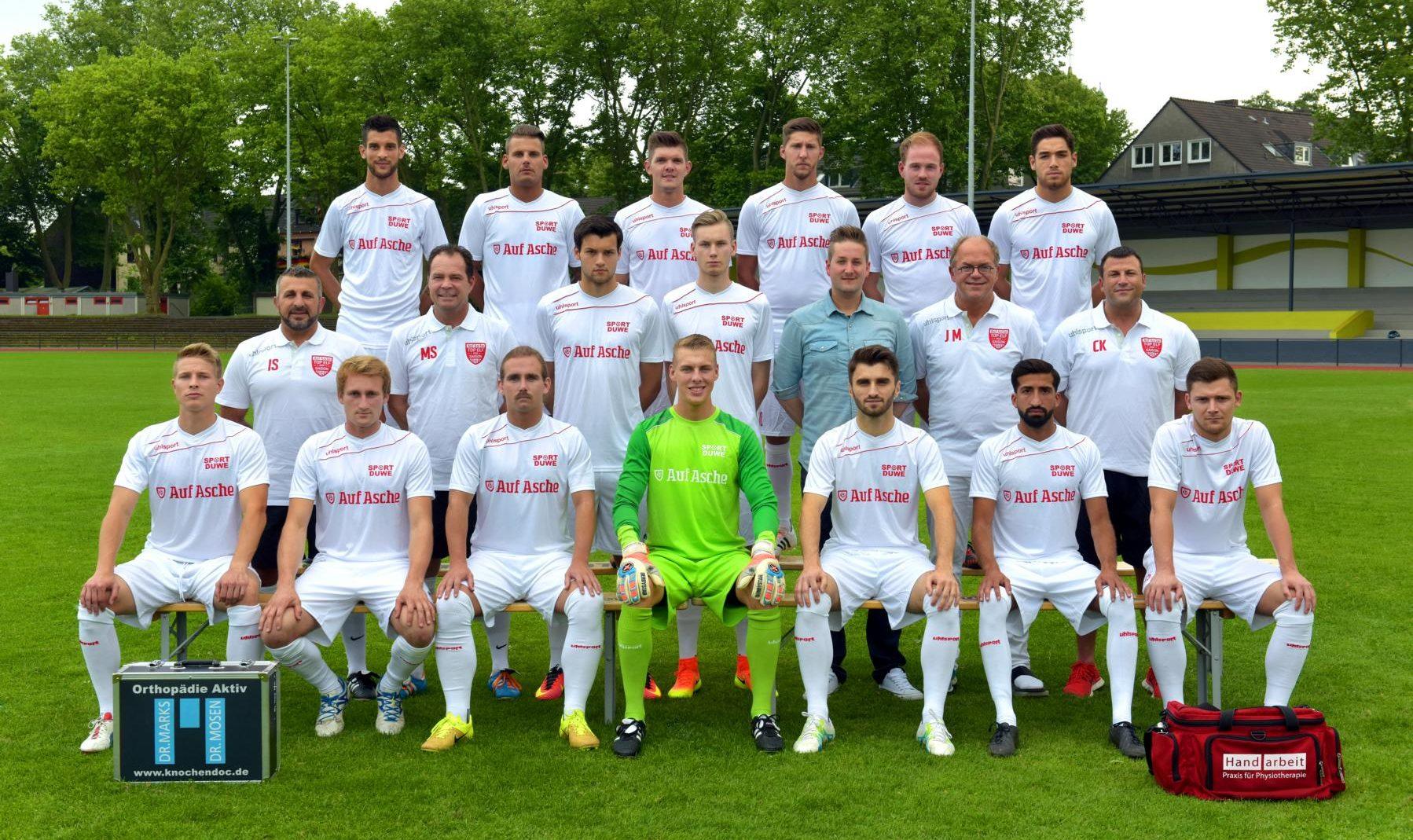 Auf Asche Top-Elf 2016: Die Auswahl der besten Essener Amateurfußballer fordert Rot-Weiss Essen heraus.